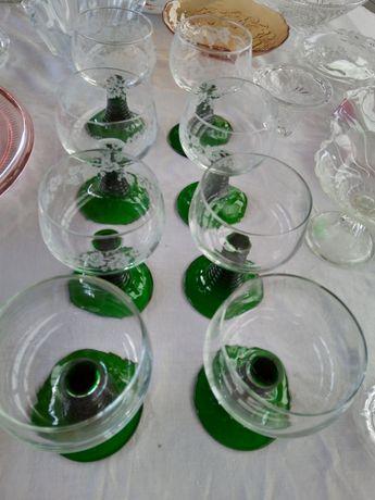 Kieliszki prl zielone
