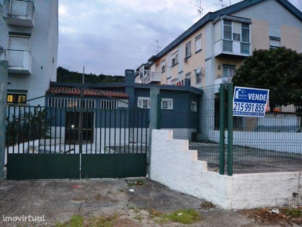 Prédio com 141m2 em Vila Franca de Xira