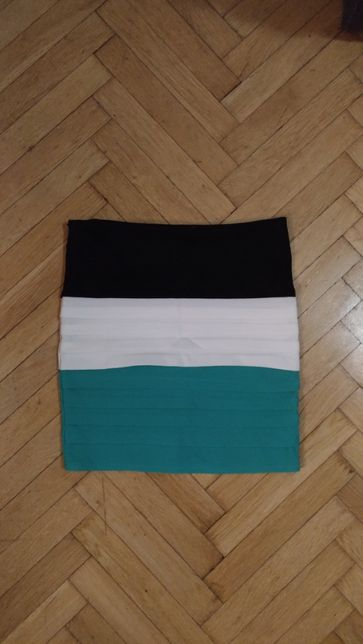 Spódnica czarno-biało-zielona rozmiar S