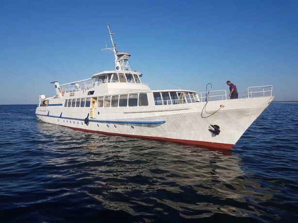 Поездки на остров Джарылгач на теплоходе, экскурсии на острове.