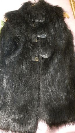 Продаж меховую жилетку. Искусственная