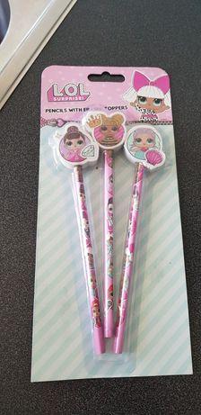 Vendo 3 lápis das lol, com borracha, novos, com embalagem