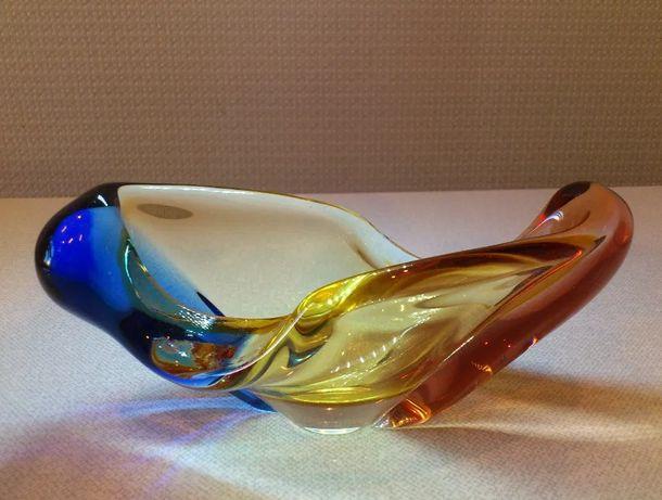 Продам Вазу пепельницу чешское стекло цветное. Доставка бесплатно