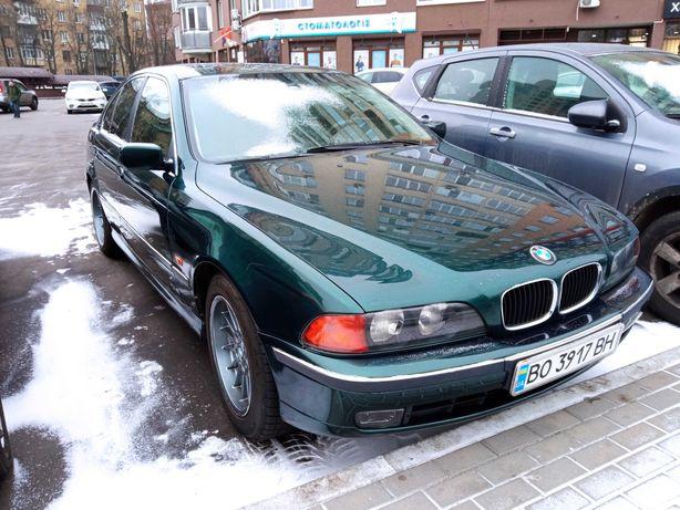 Продаж автомобіля BMW 520i e39