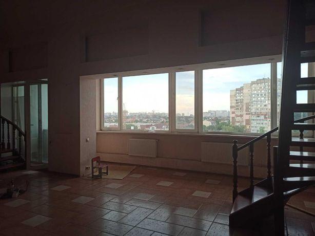 Продается двухуровневая, трехкомнатная квартира в Одессе! Собственник!
