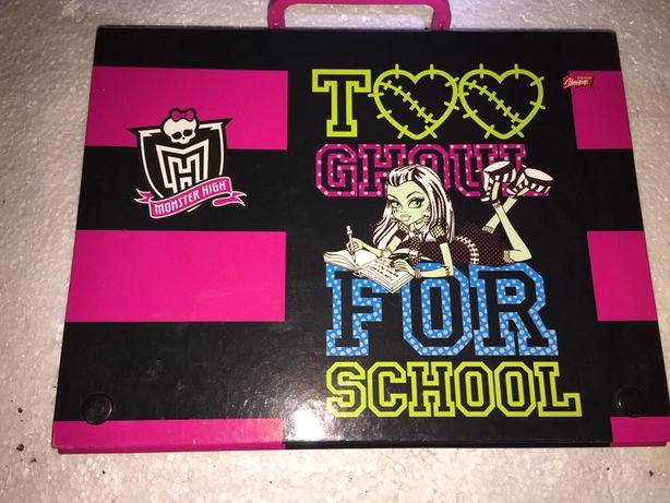 Rzeczy Monster Hight