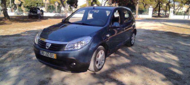 DACIA SANDERO renault 1.5 DCI  turbo diesel    145.000 KMS