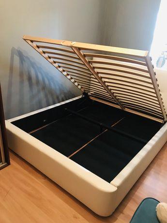 Łóżko tapicerowane białe 160x200