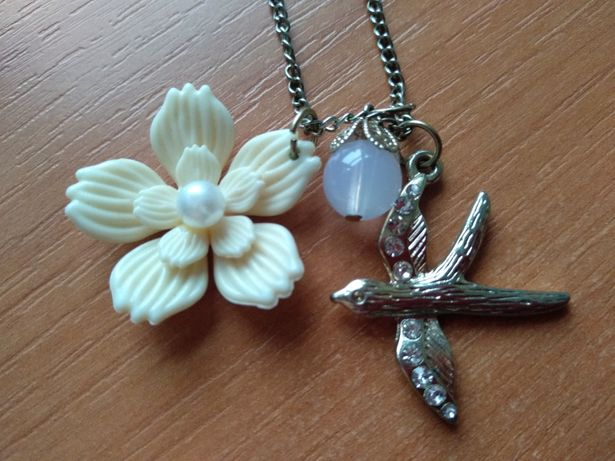 Naszyjnik kwiat ptak