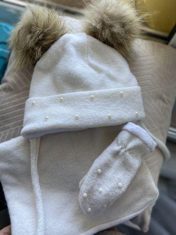Теплая шапка ,хомут и рукавички