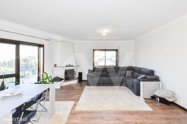 Apartamento T3 c/ Lareira e Garagem Box - Junto ao Multiusos de Gondom