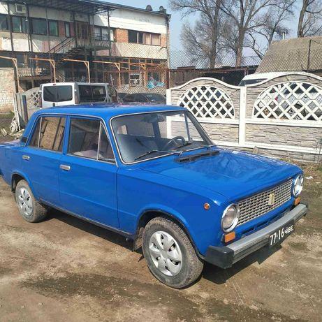 Автомобіль ВАЗ-21011