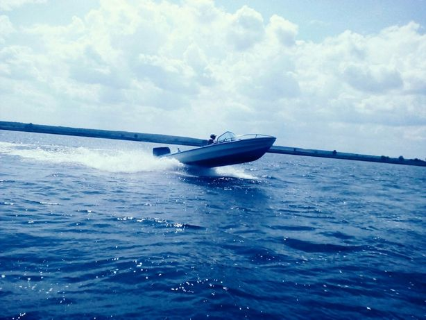 Продам пластикове прогулянкове судно (катер) EUROKRAFT