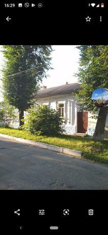 Продам будинок в центрі м.Тараща, вул.Революції