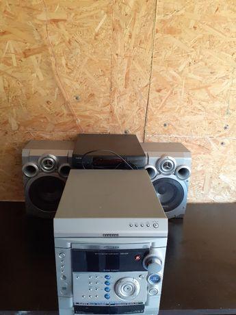 Zamienie lub Sprzedam: 2 x wieża CD plus głośniki x 4. OKAZJA!
