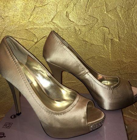 Мегаудобные и очень красивые нарядные туфли STEVE MADDEN 40-41 р.