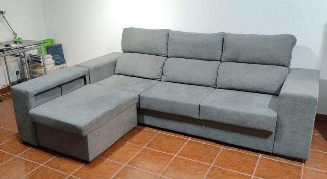 Sofá com chaise lounge com 2 bancos (como novo)