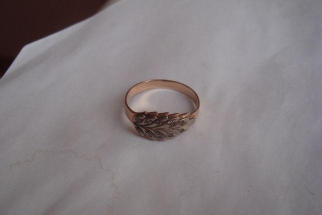 Кольцо листик 585пробы золота