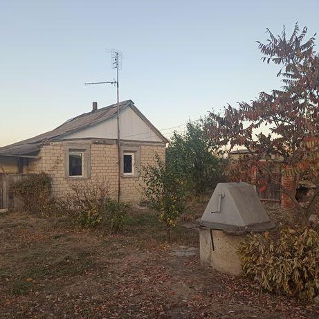 Продам  небольшой домик с огромным участком .