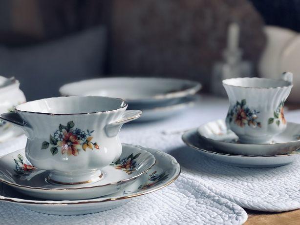 Serwis obiadowo - kawowy Chodzież Iwona 12 osób porcelana (105+2 elem)