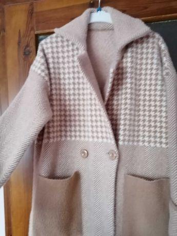 Płaszcz z alpaki