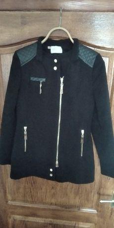 Кашемировое осенне-весеннее пальто с дорогой фурнитурой