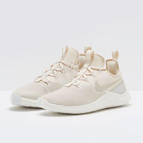 Новые кроссовки для тренировок Nike WMNS FREE TR 8 CHMP