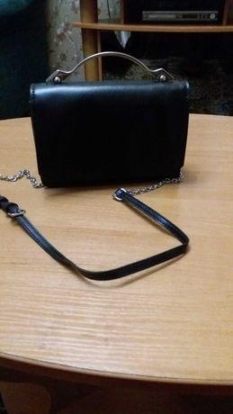 Продам кожаную стильную сумочку Miraton