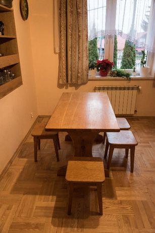 Stół dębowy i 4 stołki