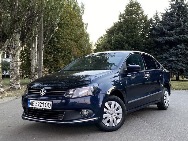 Продам Volkswagen Polo Sedan. В хорошем состоянии.  С ГБО.  Кондёр.