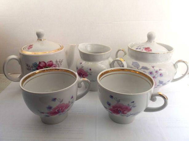 Сервиз чайный симпатичный и чашки, просто загляденье