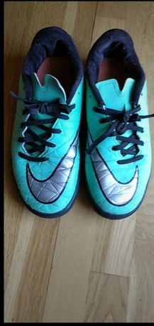 Nike dziecięce r. 37,5 dł.wkł. 23,5 cm