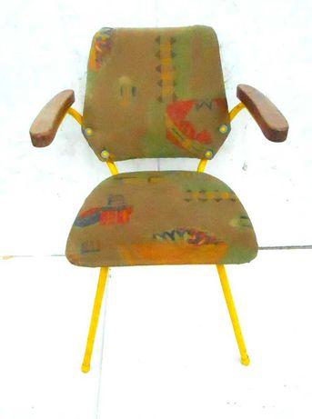 Fotel metalowy tapicerowany z epoki PRL design loft, oryginał