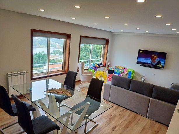 Apartamento T3 renovado em Valbom junto ao Rio