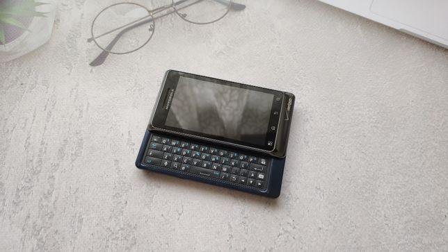Продам смартфон Motorola Droid 2 Global