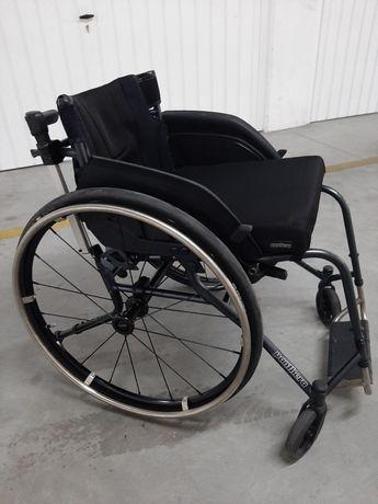 Cadeira de rodas Panthera U3