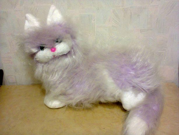 Продам мягкую игрушку кошка
