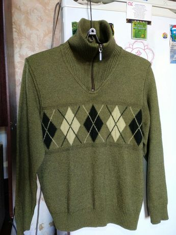 Продам женский свитер.250грн