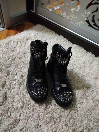 Продам ботинки  кожаные 38р