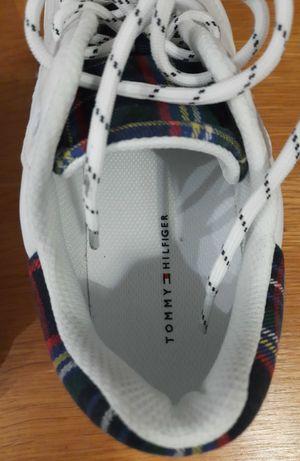 Nowe, oryginalne Tommy Hilfiger sneakers