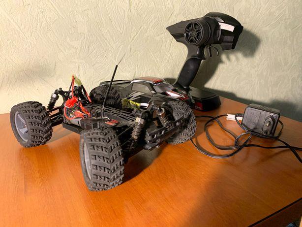 Машинка на пульте управления