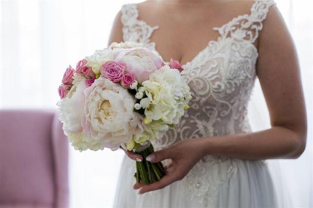 Koronkowa Suknia Ślubna z muślinowym dołem