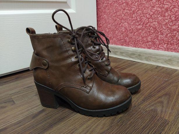 Ботинки деми стелька 23,5 см