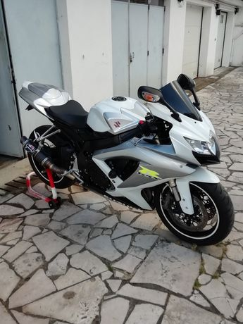 Suzuki gsxr 600 k8