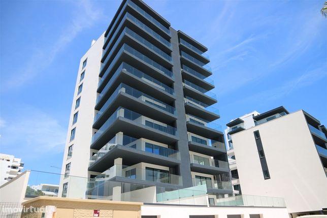 Apartamento T3 c/terraço, piscina e garagem - Quarteira