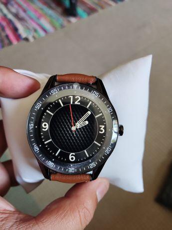Smartwatch | Atende e faz chamadas | Bracelete extra de couro