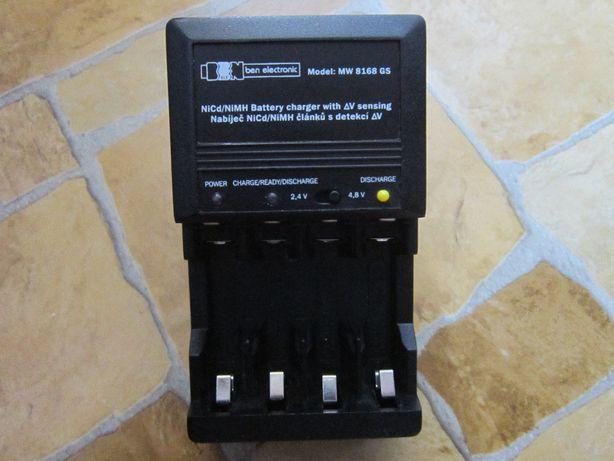 Универсальное зарядное устройство для аккумуляторных батареек