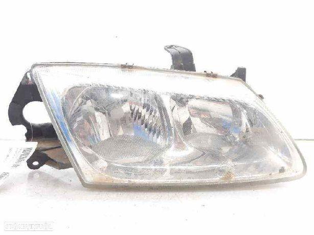 26010BN01A  Optica direita NISSAN ALMERA II Hatchback (N16) 2.2 Di YD22DDT