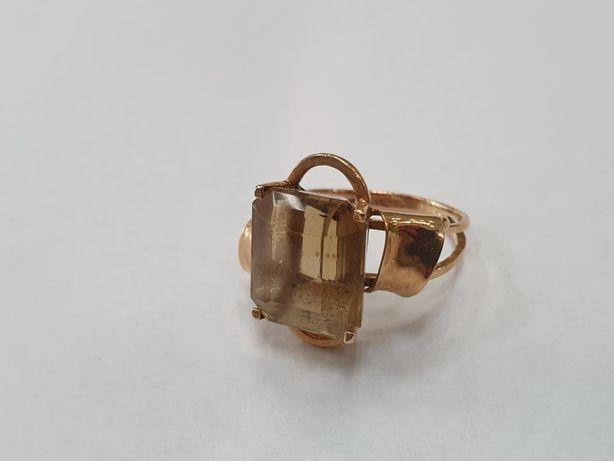 Piękny! Retro! Złoty pierścionek damski/ 750/ 5.66 gram/ R14/ Topaz
