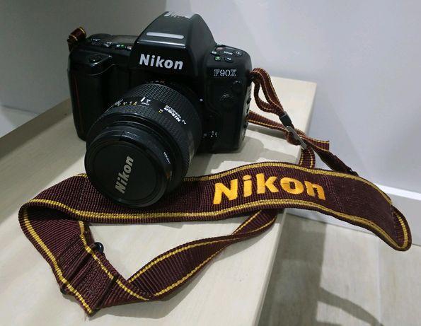 Máquina fotográfica Nikon F90x + Lente AF Nikkor 35-105mm